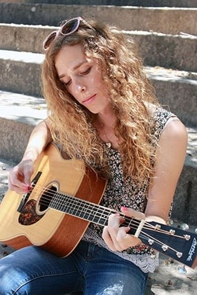 Guitar Lessons in Ventura with Melody Bird